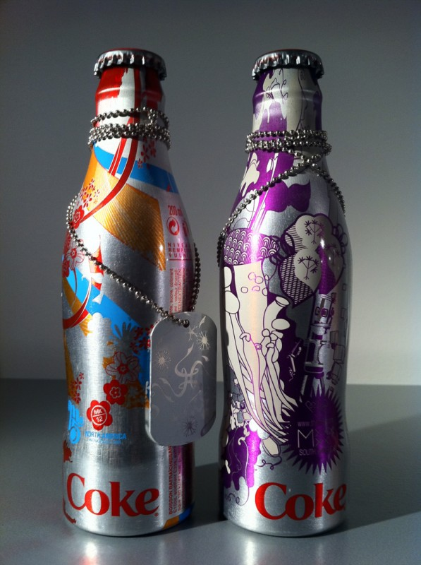 Coca-cola-flaskor i aluminium