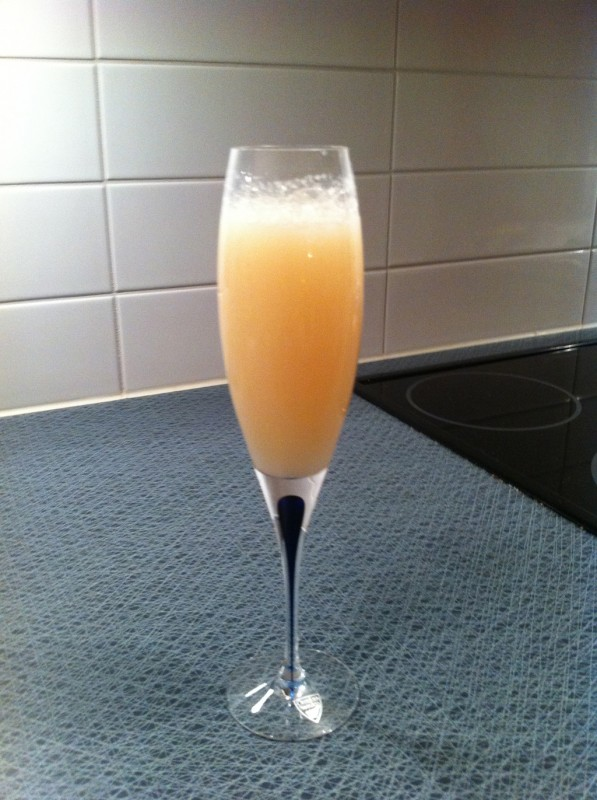 Färdig champagne lychee-cocktail
