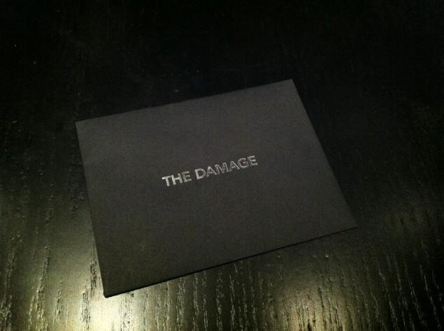 E11evens nota kommer i ett kuvert med The Damage på