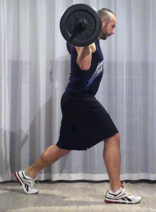 Bodypump-teknik, utfall, översta läget: stå som på räls med en fot på varje skena. Främre benet har all vikt, bakre är till för balans. Främre knät är över fotleden, bakre hälen pekar mot taket.