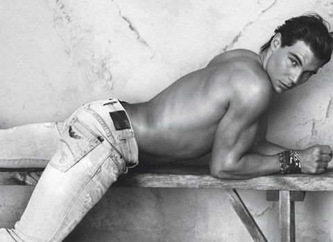 Rafael Nadal i reklam för Emporio Armani