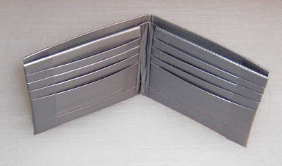 Plånbok i silvertejp